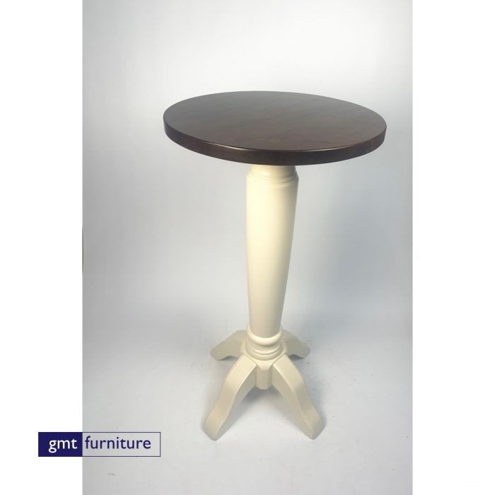 Pacifico Table Collection Poser